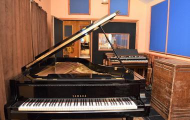 """Room #2 (piano rm) 16'W x 9'8"""" x 13'H"""